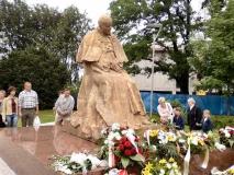 pomnik_papieza_torun_1